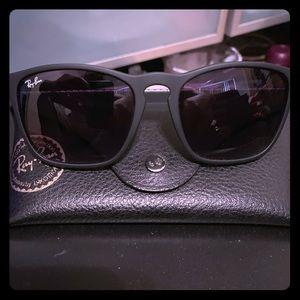 Ray-ban matte black on black sunglasses